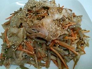 ご飯が進む!きんびらと豚肉の炒め物。