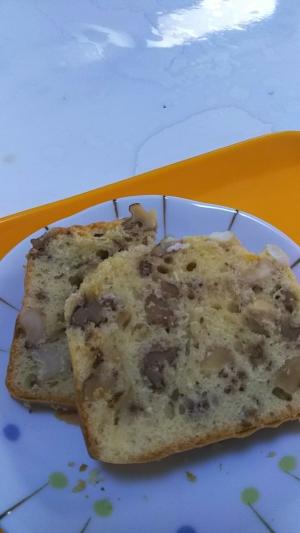 たっぷりクルミのパウンドケーキ