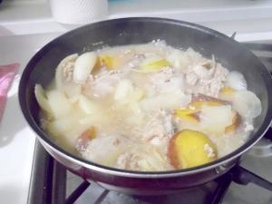塩糀スープ 肉とさつまいも