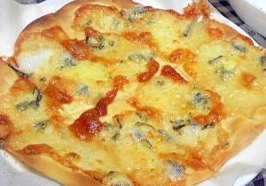 ゴルゴンゾーラとはちみつのピザ