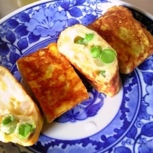 グリンピースと玉ねぎの卵焼き