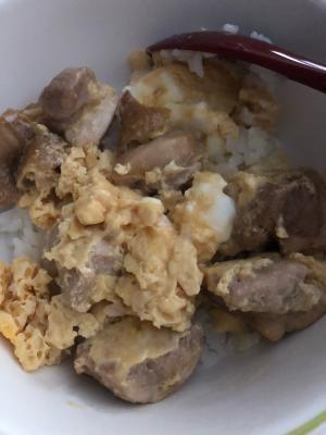 鶏肉と卵だけで!レンジで簡単親子丼風