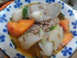 里芋とひき肉の煮物