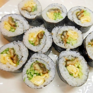 ★鰻・卵・胡瓜・大葉の巻寿司★