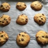 カリっとサクッと♪王道のチョコチップクッキー