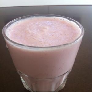 イチゴと蜂蜜の豆乳ヨーグルトジュース