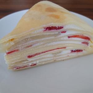 苺と桃のミルクレープ