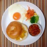 ベーグルサンドの朝ごはんプレート
