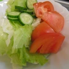 子供もできる シンプル簡単サラダ