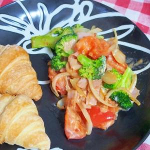 野菜炒め~オーロラソース~withクロワッサン