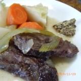 牛ほほ肉の香草煮
