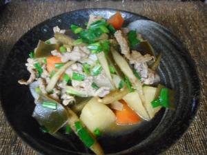 豚肉ゴボウ大根とワケギの煮物