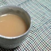 寒い日の練乳入りしょうが紅茶