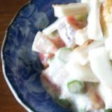 サラダにまくわとイチジクを加えてデザート風
