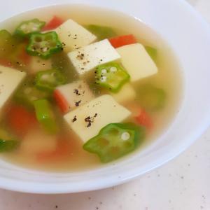 簡単!(^^)豆腐+カニかま+冷凍オクラのスープ♪