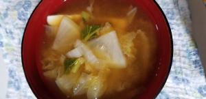 冬野菜と豆腐の味噌汁