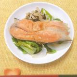 フライパンで簡単♡塩鮭のたっぷり野菜蒸し♪