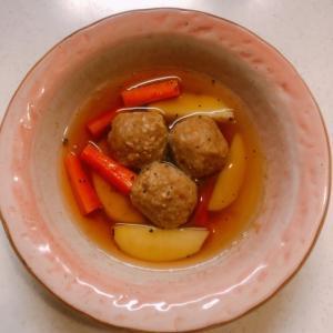 肉団子とじゃがいものスープ
