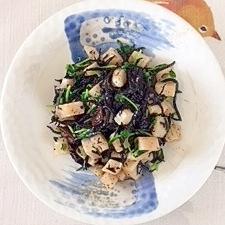 レンコン、ひじき、きくらげ、豆苗の炒め物