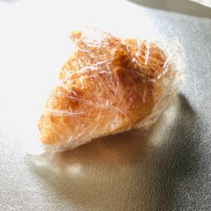 クロワッサンのヨーグルトアイスパン