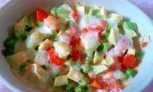 アボカド&トマトのチーズ焼き