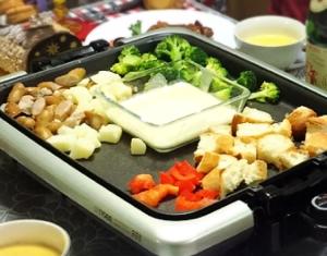 簡単☆牛乳&とろけるチーズのみ☆チーズフォンデュ☆