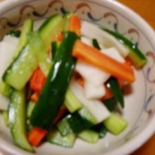簡単!三色野菜の甘酢漬け