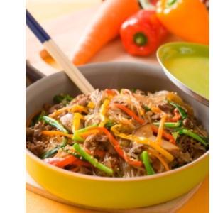 野菜の色が引き立つ「チャプチェ」献立
