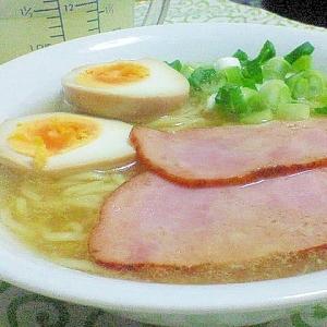 鶏ガラ→白湯スープ→自家製ラーメン