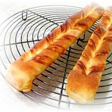 自家製チェダーチーズシートdeツイストパン