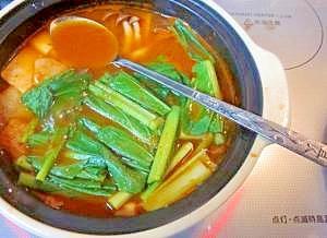 居酒屋の一品 39)キムチで旨辛!豆腐の味噌チゲ
