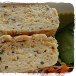 お弁当に☆粉チーズとドライパセリの卵焼き