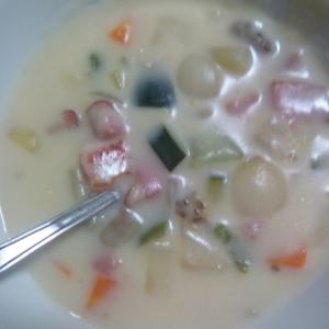 ベーコンと余り野菜のシチュー
