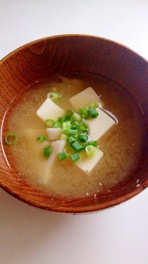 レンコンと豆腐の味噌汁