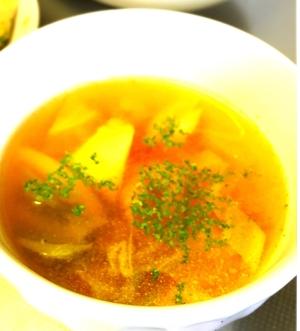 春キャベツ&シーフードミックスのコンソメスープ
