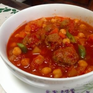 ひよこ豆とミートボールのトマトスープ