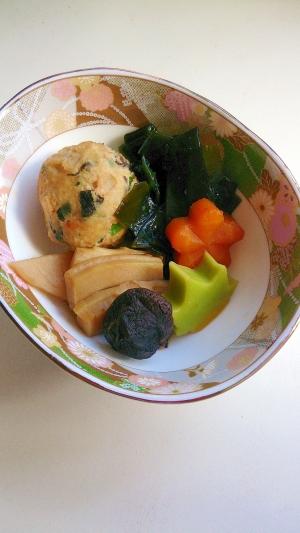 肉団子とわかめ・タケノコ・生麩の煮物