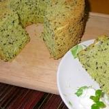 小松菜と黒胡麻のシフォンケーキ