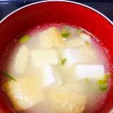 お豆腐と油揚げの味噌汁
