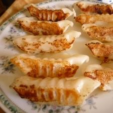 白菜と豚肉の焼き餃子