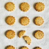 Oats & coconut cookies
