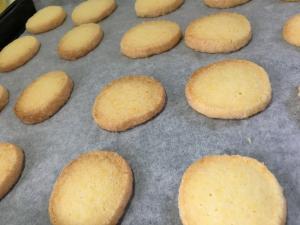 簡単おいしいバタークッキー