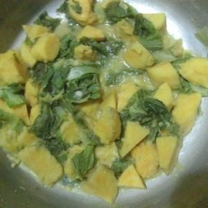 白菜の外葉とさつまいもの煮物