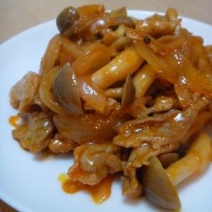 お弁当に◎豚肉としめじと玉ねぎのケチャップ炒め