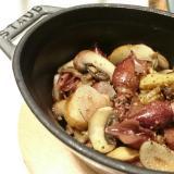 ストウブDe〜ホタルイカとマッシュルームのオイル煮