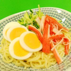 簡単冷やし中華(^^)カニかま+きゅうり+ゆで卵♪