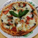 我が家のモッツァレラチーズのミックスピザ