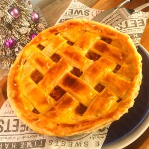 クリスマスにピッタリ!冷凍パイシートでミートパイ