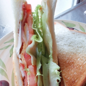 ベーコンと玉子のサラダ・サンド