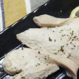 冷凍保存にも!簡単!塩麹で柔らか蒸し鶏!